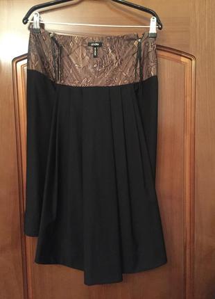 Очень стильная юбка карандаш со шлейфом сзади andré tan