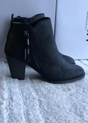Ботинки казаки бренд reporter