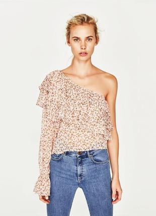 Стильная блуза на одно плечо, ассиметричная, рюши, в цветок, цветочный принт, zara 2019