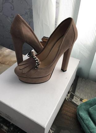 Бомба туфли