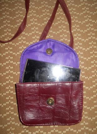 Маленькая, бордовая сумочка на длинной ручке atmosphere5