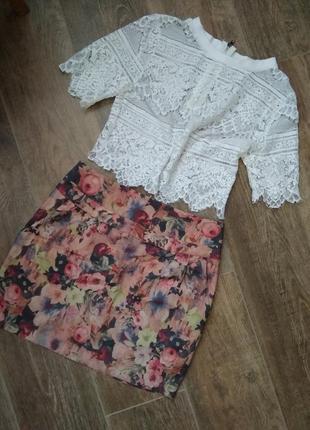 Юбка с карманами и цветочным принтом