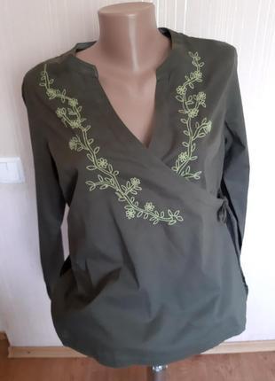 Блуза с вышивкой на запах