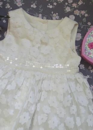 Красивое пышное платье на 6-9 м4 фото