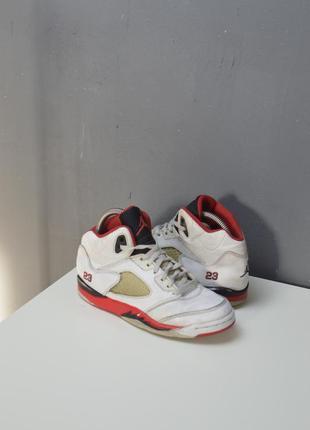 Крутые кроссовки jordan 5 retro
