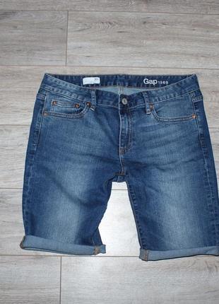 Стильные джинсовые шорты gap
