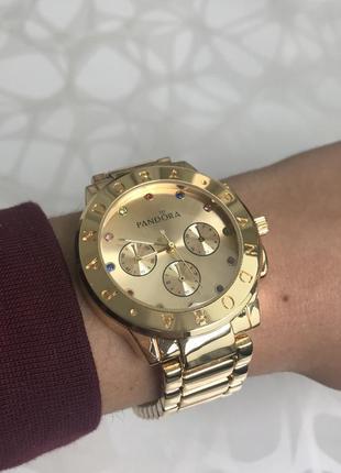 Женские наручные металлические модные часы золотистые2 фото