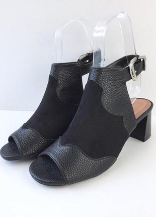 Трендовые босоножки на толстом каблуке с ремешком на пряжке