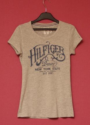 Tommy hilfiger рр s (xs бирка ) футболка из хлопка и полиестера