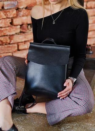 Кожаные рюкзаки-сумки. черного,бежевого и серого цветов.