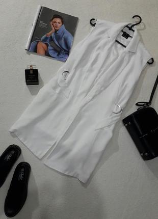 Актуальный стильный удлинённый белый жилет жилетка кардиган