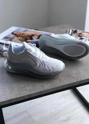 Шикарные женские кроссовки nike wmns air max 720 white metallic platinum4 фото