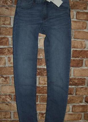 Новые джинсы узкачи стрейч  14 лет