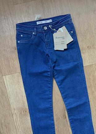 / 82 / sale / новые стильные красивые джинсы ovs skinny италия / брюки mom