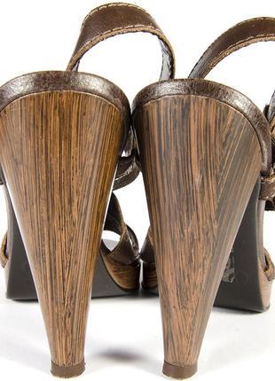 Коричневые босоножки, кажаные босоножки, босоножки на высоком каблуке5 фото