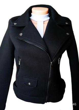 Крутая куртка, косуха из неопрена от бренда bershka