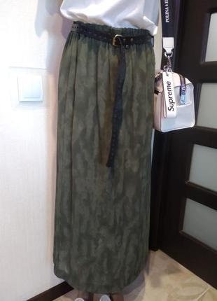 Стильная юбка карандаш макси прямого покроя хаки тончайшая