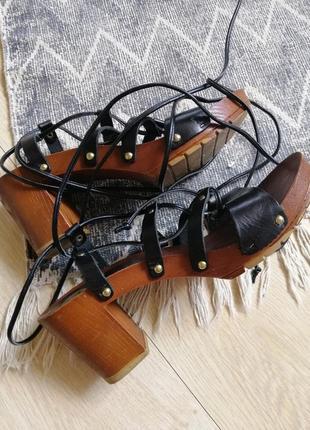 Босоножки плетенки на массивной подошве и каблуке имитация дерева river island8 фото