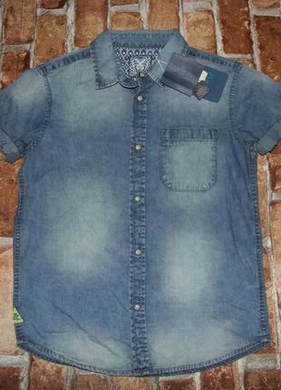 Новая джинсовая рубашка тениска легкая 7-8 лет кнопки
