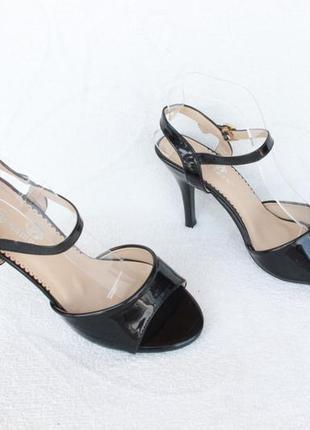Черные босоножки 36 размера на каблуке, шпильке