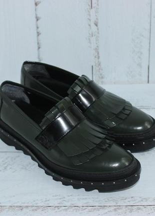 Bata кожаные слипоны, туфли на платформе с острым носочком