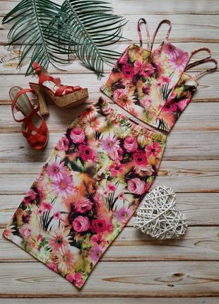 Крутой цветочный костюм топ и юбка карандаш
