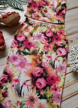Крутой цветочный костюм топ и юбка карандаш2 фото