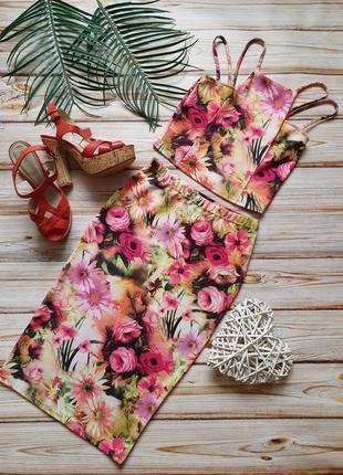 Крутой цветочный костюм топ и юбка карандаш3 фото