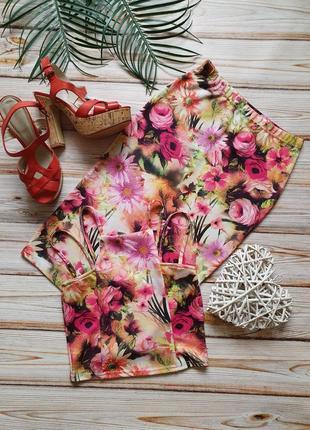 Крутой цветочный костюм топ и юбка карандаш6 фото