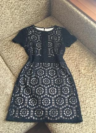Изысканное гипюровое платье