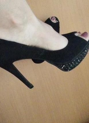 Отличные туфли с шипами gorgeous