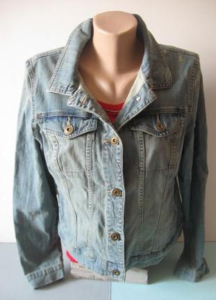 Светлая джинсовая куртка - можно как оверсайз!