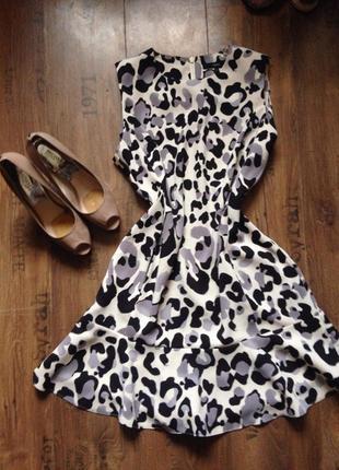 Распродажа!! очень милое платьн с леопардовым принтом !!
