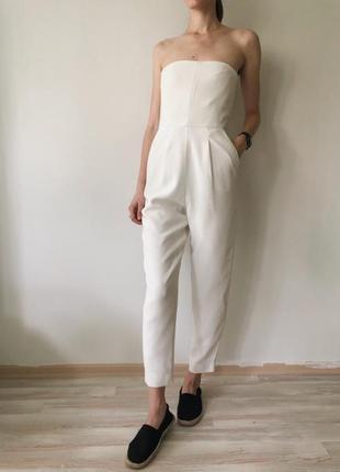Zara нереальный белый комбинезон/ромпер с открытыми плечами