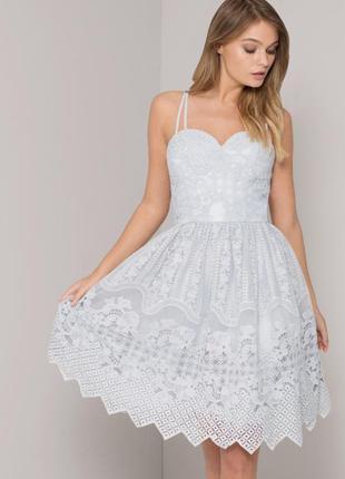Вечернее пышное платье chi chi london asos