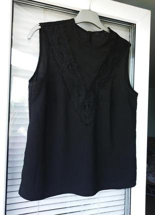 Лаконичная блуза майка zara с кружевом