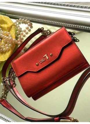 Маленькая красная сумка trussardi