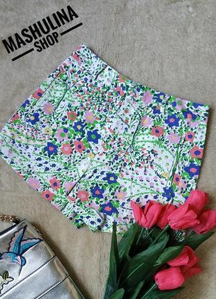Классные джинсовые  шортики в цветочный принт от topshop
