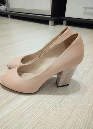 Туфлі жіночі з відкритим передком