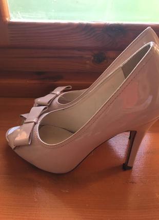 Бежевые туфли,размер 38/39