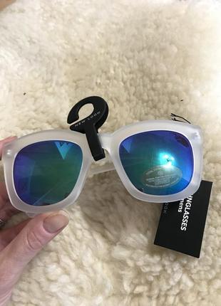 Солнцезащитные очки new look