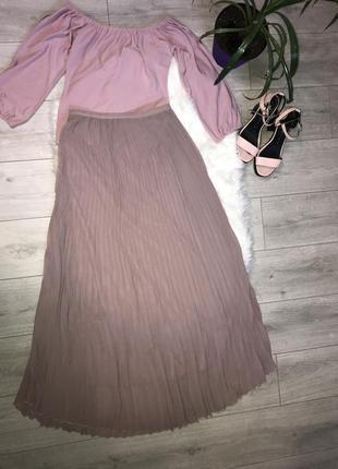 Плиссированная юбка актуального цвета boohoo