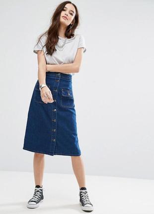 Джинсовая юбка на пуговицах трапеция
