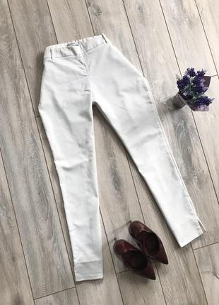 Белые женские штаны брюки от mango