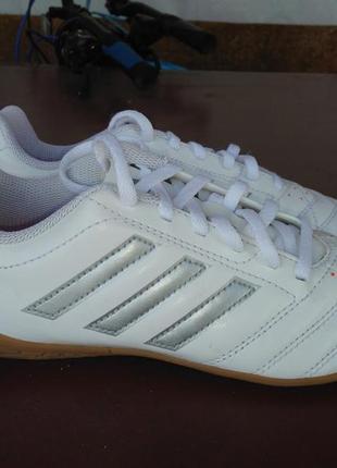 Кроссовки футзалки adidas оригинал