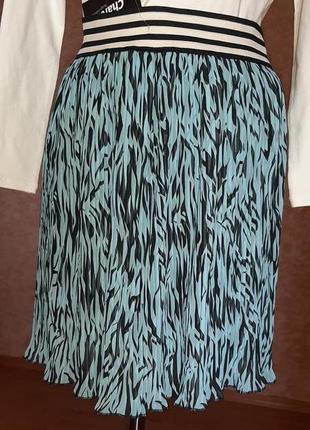 Интересная плиссированная юбка swet girl(испания)