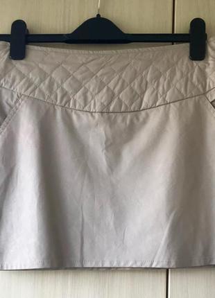 Стильная короткая юбка motivi из pu-кожи, m