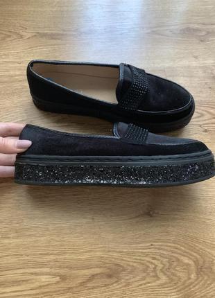 Обувь на низкой платформе