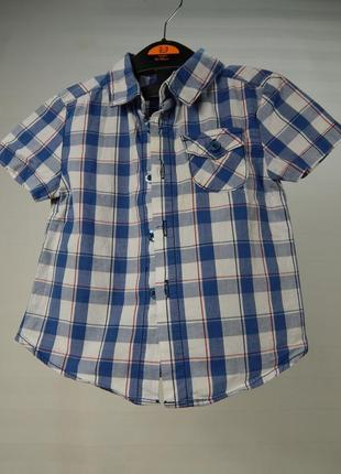 Легкая рубашка с коротким рукавом