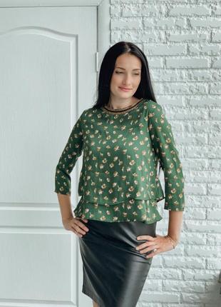 Яркая блуза. италия